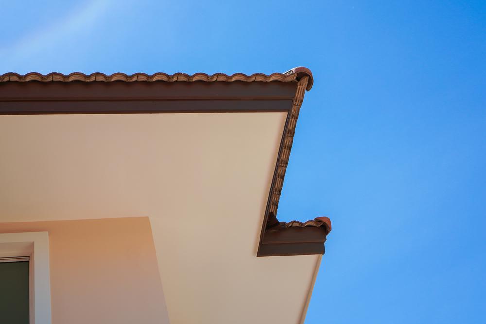 installation avant-toit